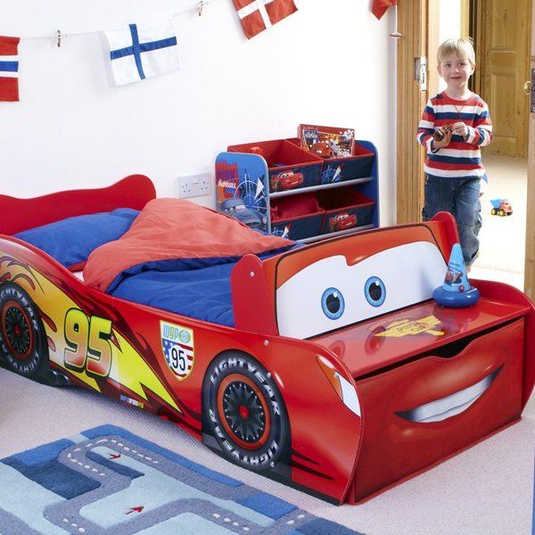worlds apart lightning mcqueen cars toddler bed jasabyn. Black Bedroom Furniture Sets. Home Design Ideas